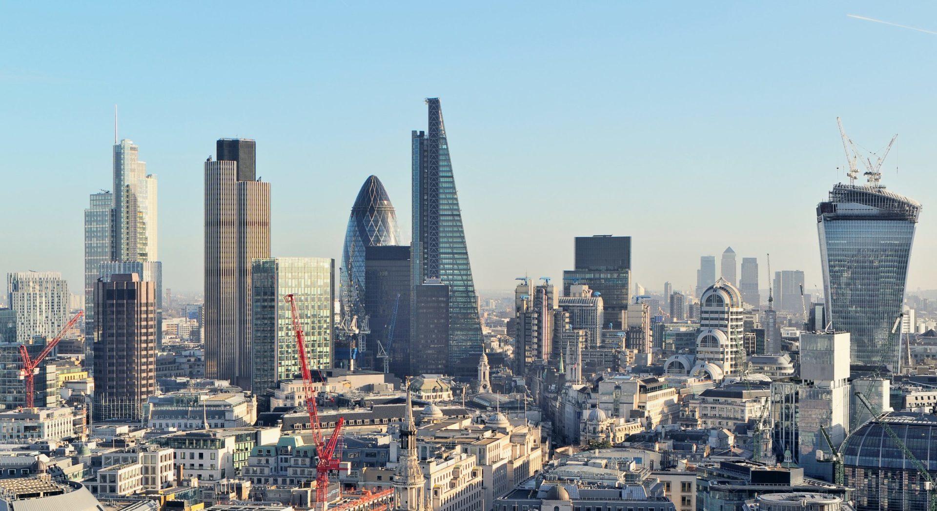 Exodus korporacji międzynarodowych – największe zagrożenie dla Wielkiej Brytanii?